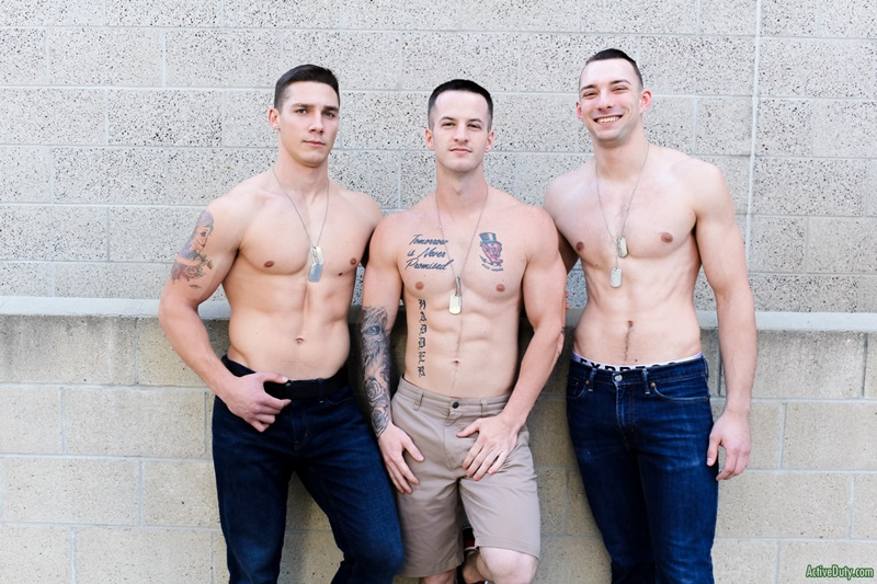 activeduty-gay-porn-hot-threesome-army-boys-military-sex-pics-johnny-b-quentin-gainz-spencer-laval-004-gallery-video-photo