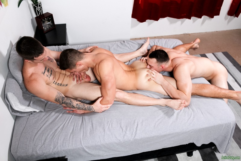activeduty-gay-porn-hot-threesome-army-boys-military-sex-pics-johnny-b-quentin-gainz-spencer-laval-008-gallery-video-photo