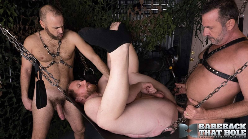 barebackthathole-bareback-raw-ass-fucking-orgy-eric-wolfe-victor-cody-mike-schiltz-big-thick-bare-dicks-sucking-ass-rimming-005-gay-porn-sex-gallery-pics-video-photo