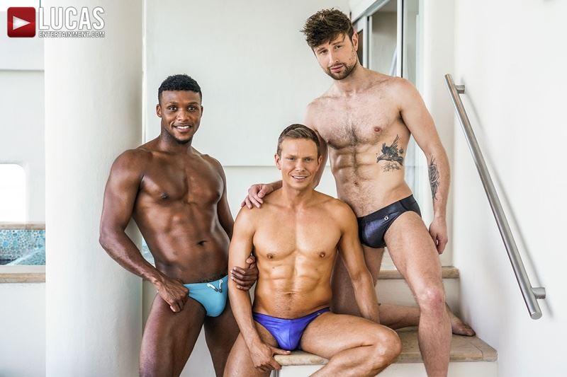 Double-penetration-Andre-Donovan-Ethan-Chase-huge-dicks-bare-fucking-Drew-Dixon-hot-hole-003-gay-porn-pics