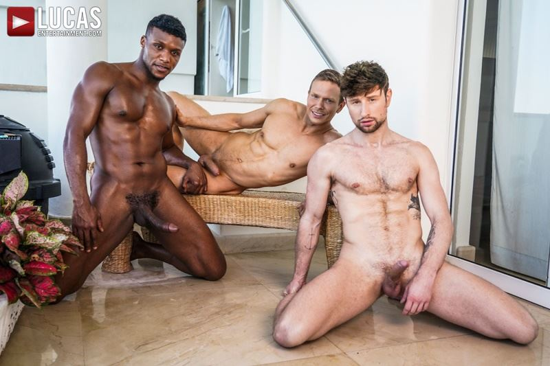 Double-penetration-Andre-Donovan-Ethan-Chase-huge-dicks-bare-fucking-Drew-Dixon-hot-hole-005-gay-porn-pics