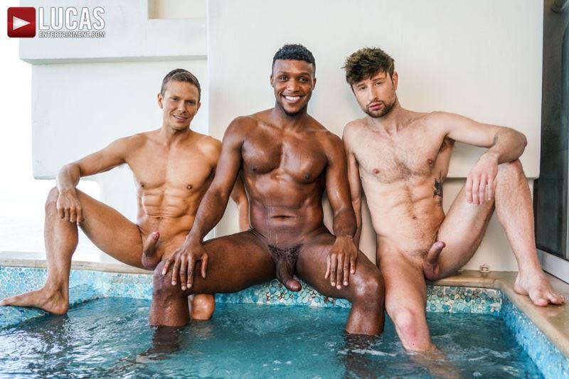 Double-penetration-Andre-Donovan-Ethan-Chase-huge-dicks-bare-fucking-Drew-Dixon-hot-hole-006-gay-porn-pics
