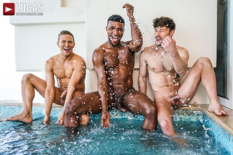 Double-penetration-Andre-Donovan-Ethan-Chase-huge-dicks-bare-fucking-Drew-Dixon-hot-hole-007-gay-porn-pics