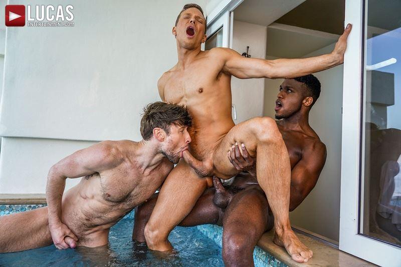 Double-penetration-Andre-Donovan-Ethan-Chase-huge-dicks-bare-fucking-Drew-Dixon-hot-hole-015-gay-porn-pics