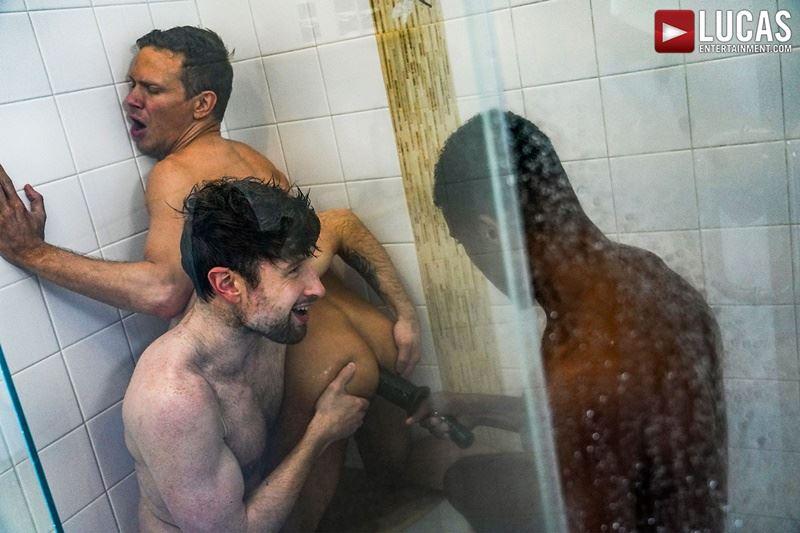Double-penetration-Andre-Donovan-Ethan-Chase-huge-dicks-bare-fucking-Drew-Dixon-hot-hole-017-gay-porn-pics