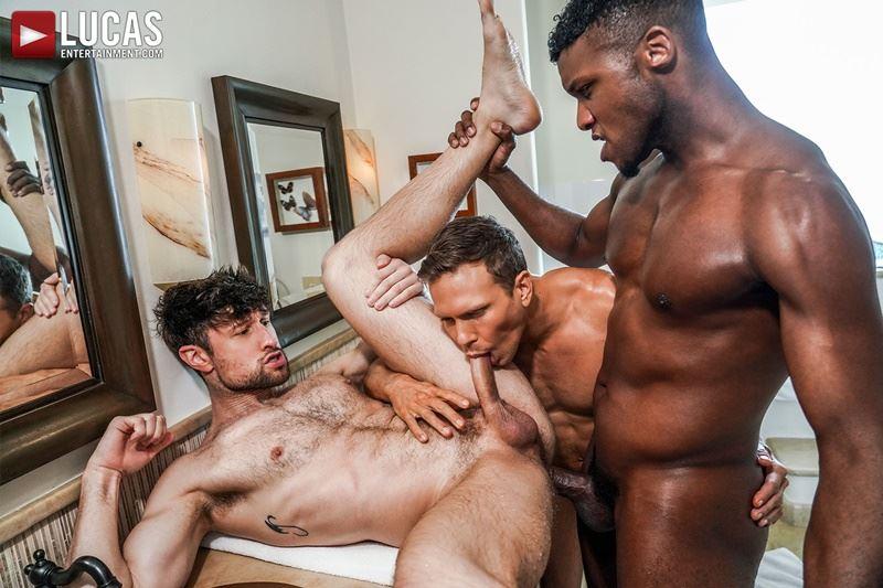 Double-penetration-Andre-Donovan-Ethan-Chase-huge-dicks-bare-fucking-Drew-Dixon-hot-hole-023-gay-porn-pics