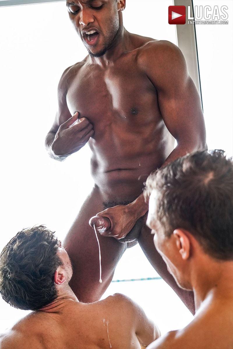 Double-penetration-Andre-Donovan-Ethan-Chase-huge-dicks-bare-fucking-Drew-Dixon-hot-hole-031-gay-porn-pics