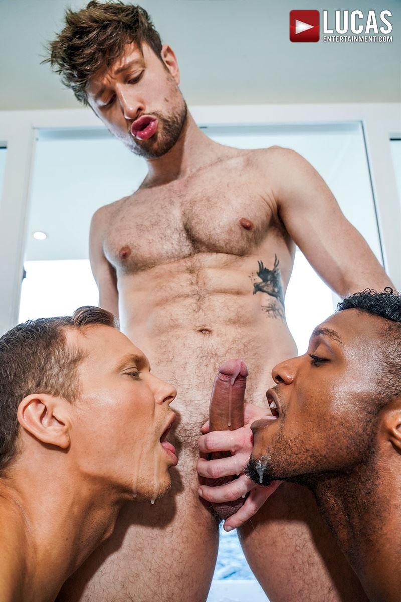 Double-penetration-Andre-Donovan-Ethan-Chase-huge-dicks-bare-fucking-Drew-Dixon-hot-hole-033-gay-porn-pics