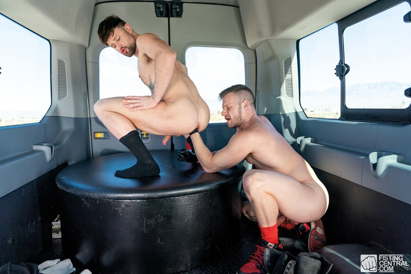 Brian-Bonds-gloved-hand-fists-Drew-Dixon-hot-asshole-014-gay-porn-pics