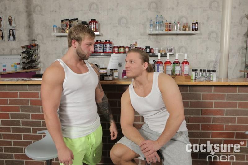 cocksuremen-big-muscle-naked-bodybuilder-brick-morewood-barebacks-ondrej-oslava-bare-raw-cock-fucking-anal-rimming-cocksucker-002-gay-porn-sex-gallery-pics-video-photo