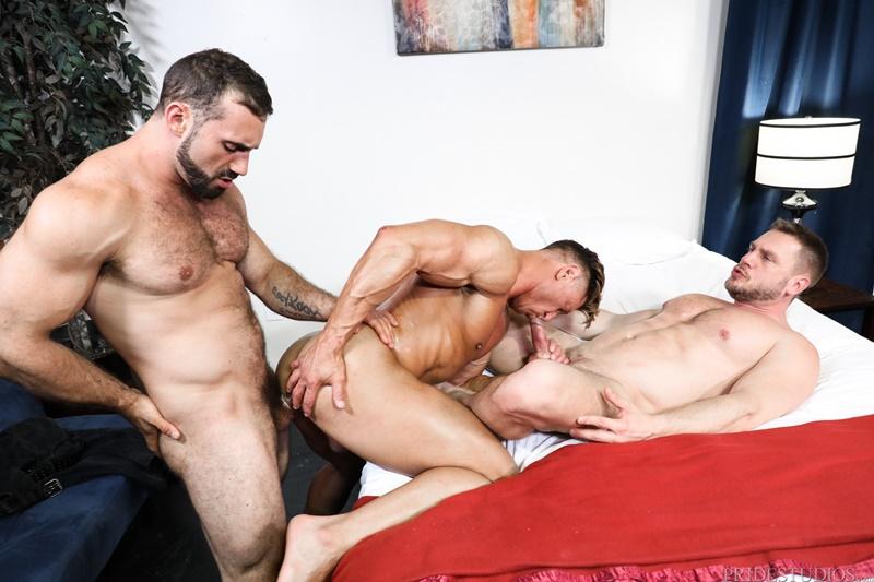 extrabigdicks-hardcore-anal-fuckign-big-dick-threesome-bryce-evans-jaxton-wheeler-hans-berlin-sucking-huge-dicks-006-gallery-video-photo