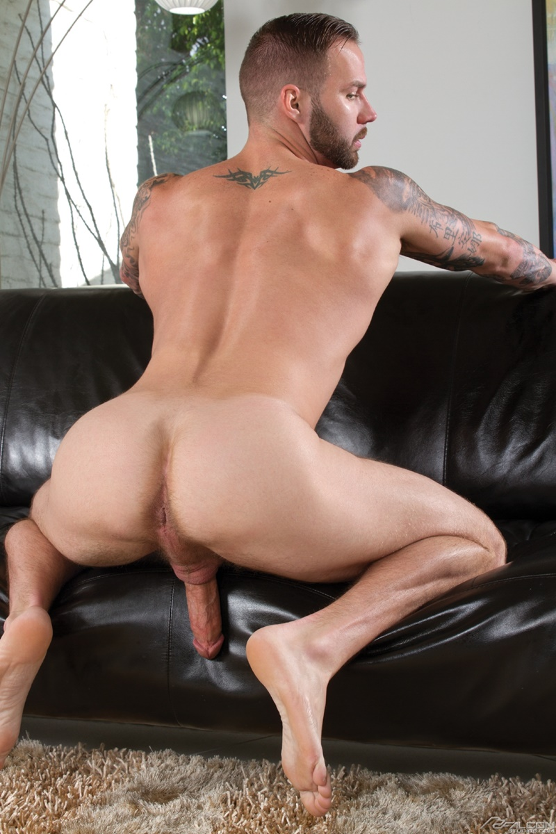 Xxx gay thong fetish