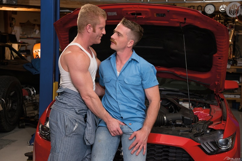 falconstudios-gay-porn-star-sex-pics-nate-stetson-big-dick-fucks-johnny-v-tight-muscled-asshole-anal-rimming-004-gay-porn-sex-gallery-pics-video-photo