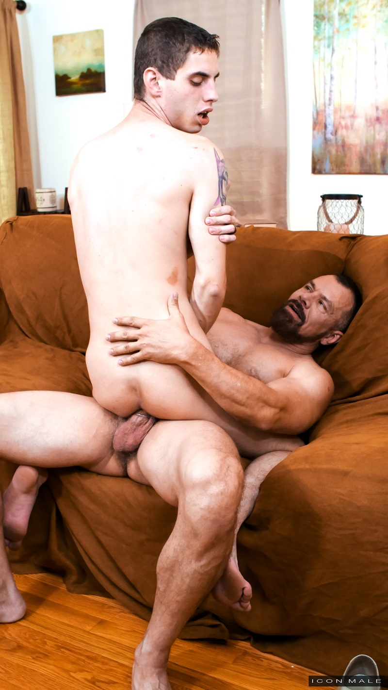 hot-young-studs-fuck-older-dudes-roseanne-barr-today