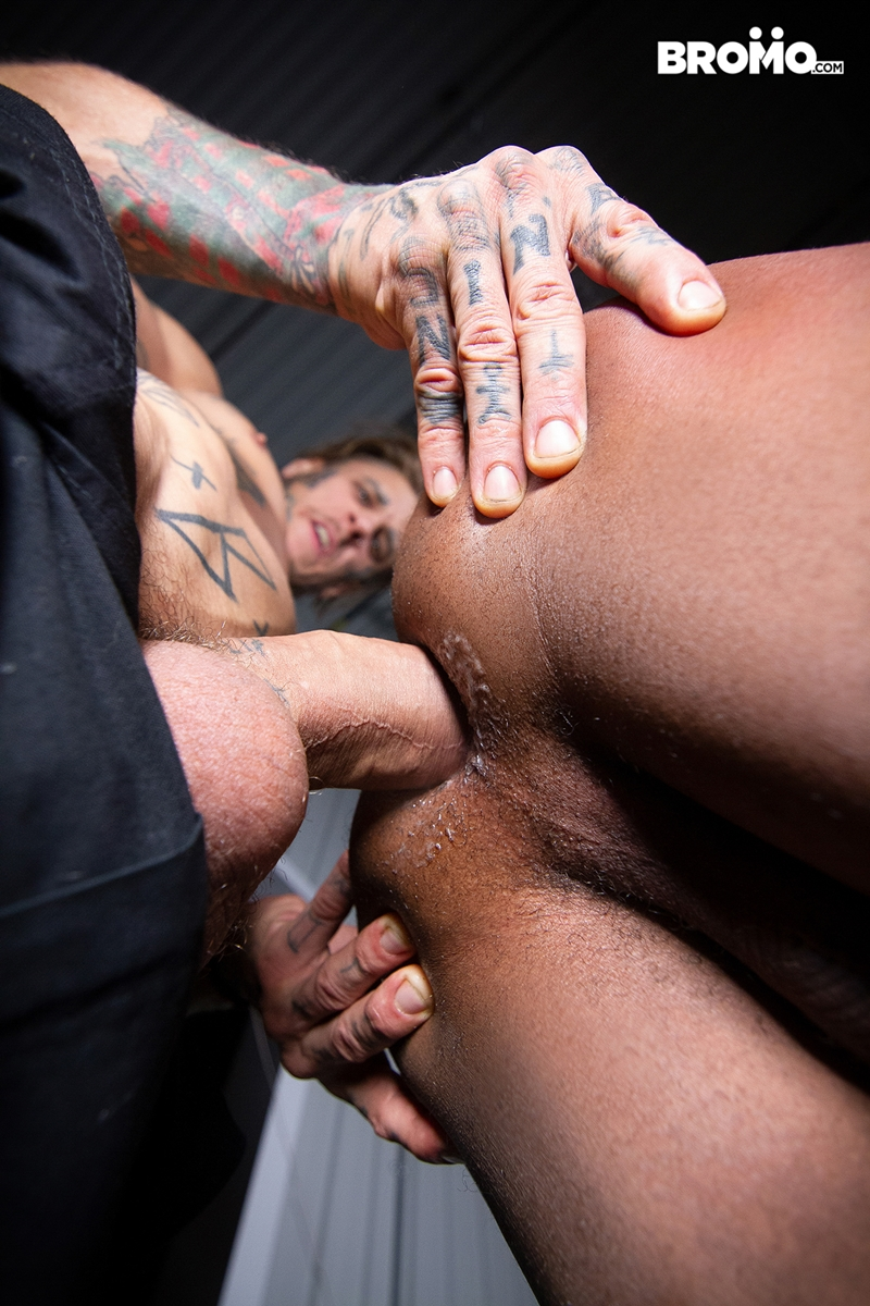 interracial-anal-fucking-tattooed-white-boy-bo-sinn-trent-king-tight-black-ass-bromo-014-gay-porn-pics