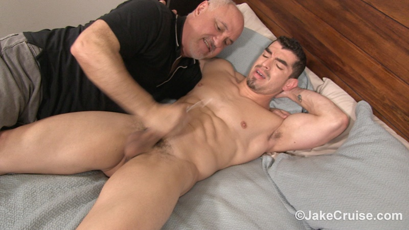 jakecruise-jake-cruise-deep-throats-jeremy-spreadums-huge-uncut-dick-rims-his-tight-ass-hole-hot-hung-muscle-dude-ripped-abs-025-gay-porn-sex-gallery-pics-video-photo
