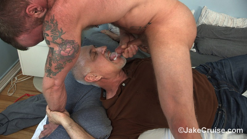 jakecruise-sexy-naked-muscle-tattoo-stud-derek-parker-cocksure-men-sucked-big-thick-dick-cocksucker-older-mature-jake-cruise-anal-rimming-020-gay-porn-sex-gallery-pics-video-photo
