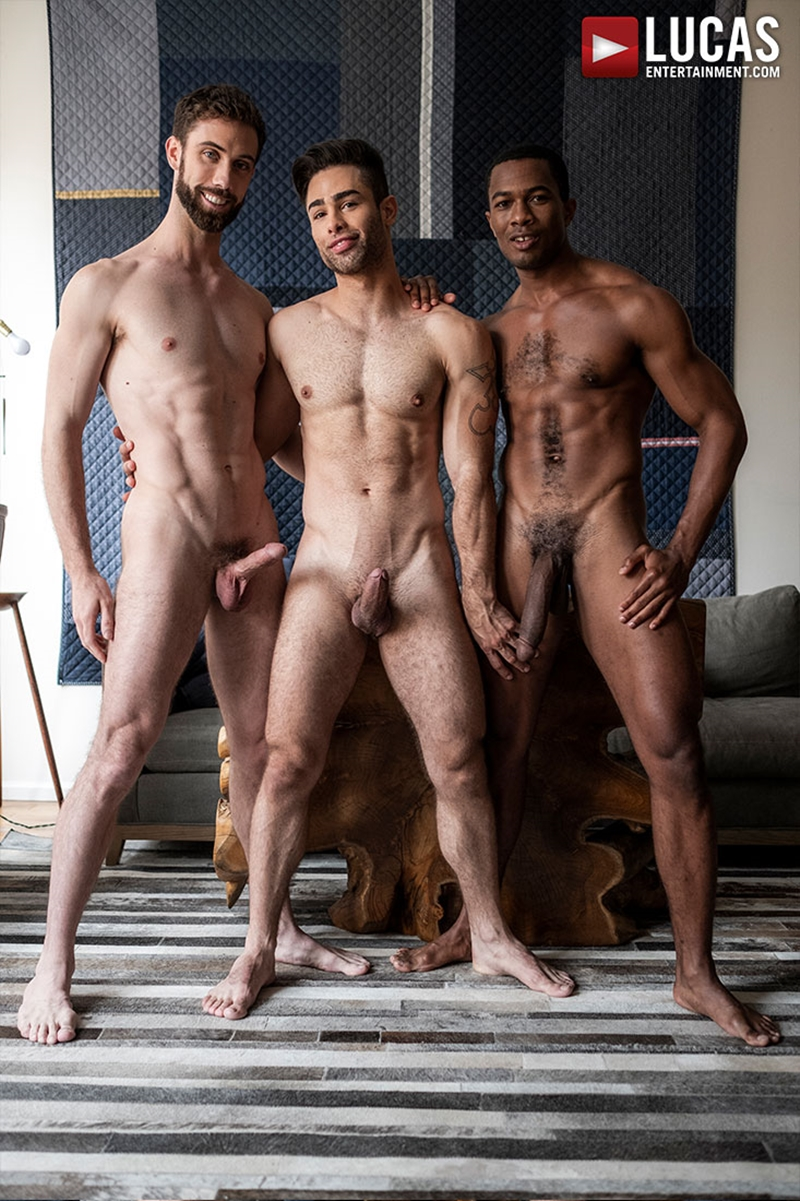 jason-cox-lucas-leon-sean-xavier-monster-black-dick-big-muscle-threesome-lucasentertainment-005-gay-porn-pictures-gallery