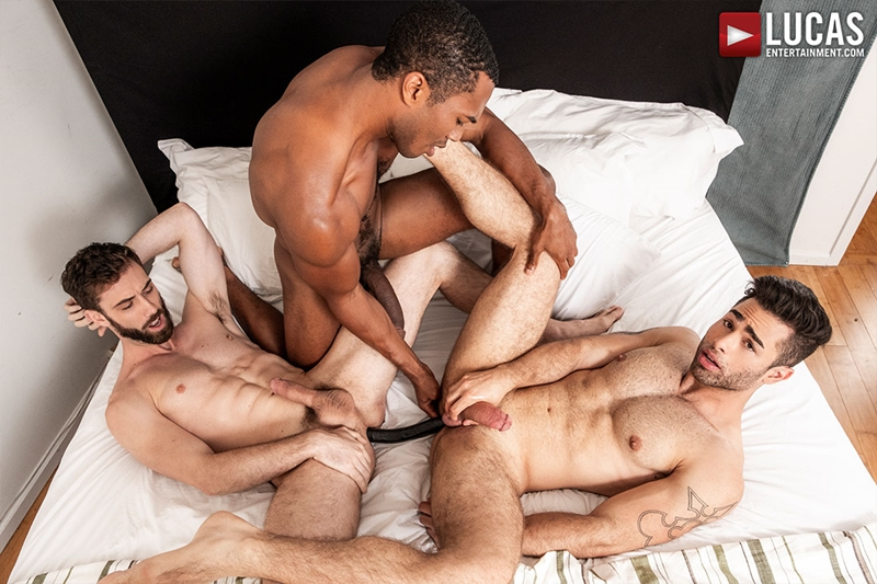 jason-cox-lucas-leon-sean-xavier-monster-black-dick-big-muscle-threesome-lucasentertainment-014-gay-porn-pictures-gallery