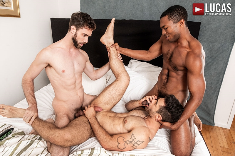 jason-cox-lucas-leon-sean-xavier-monster-black-dick-big-muscle-threesome-lucasentertainment-015-gay-porn-pictures-gallery