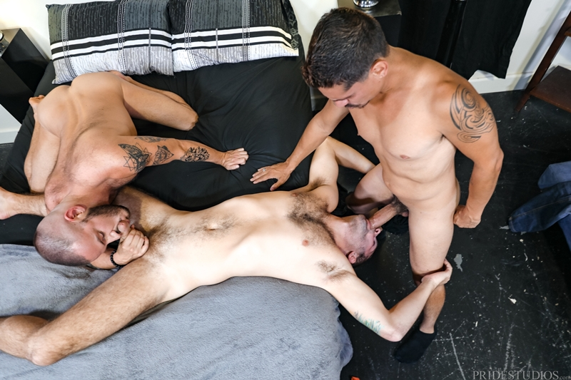 jay-donahue-sean-harding-lex-sabre-face-fucked-huge-uncut-cock-ass-fucking-extrabigdicks-007-gay-porn-pictures-gallery