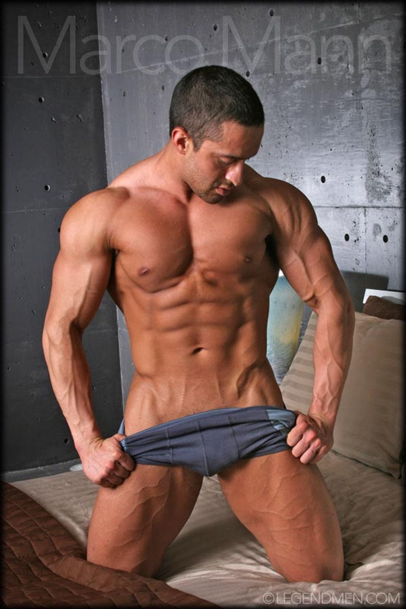 legendmen-sexy-naked-big-muscle-bodybuilder-ripped-legend-man-marco-mann-strips-jerks-his-huge-uncut-dick-foreskin-hunks-003-gay-porn-sex-gallery-pics-video-photo