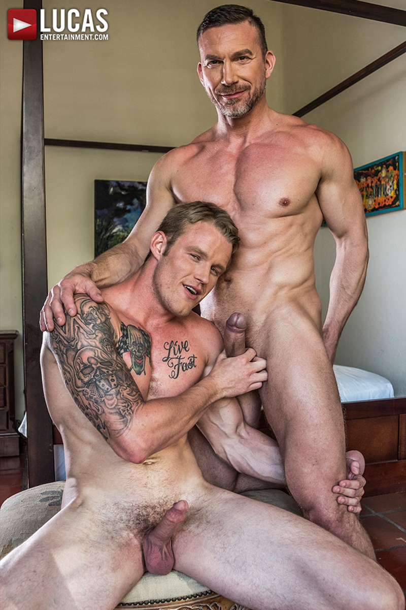 lucasentertainment-blond-tattoo-muscle-hunk-shawn-reeve-bareback-ass-fucking-top-daddy-tomas-brand-massive-raw-bare-cock-007-gay-porn-sex-gallery-pics-video-photo