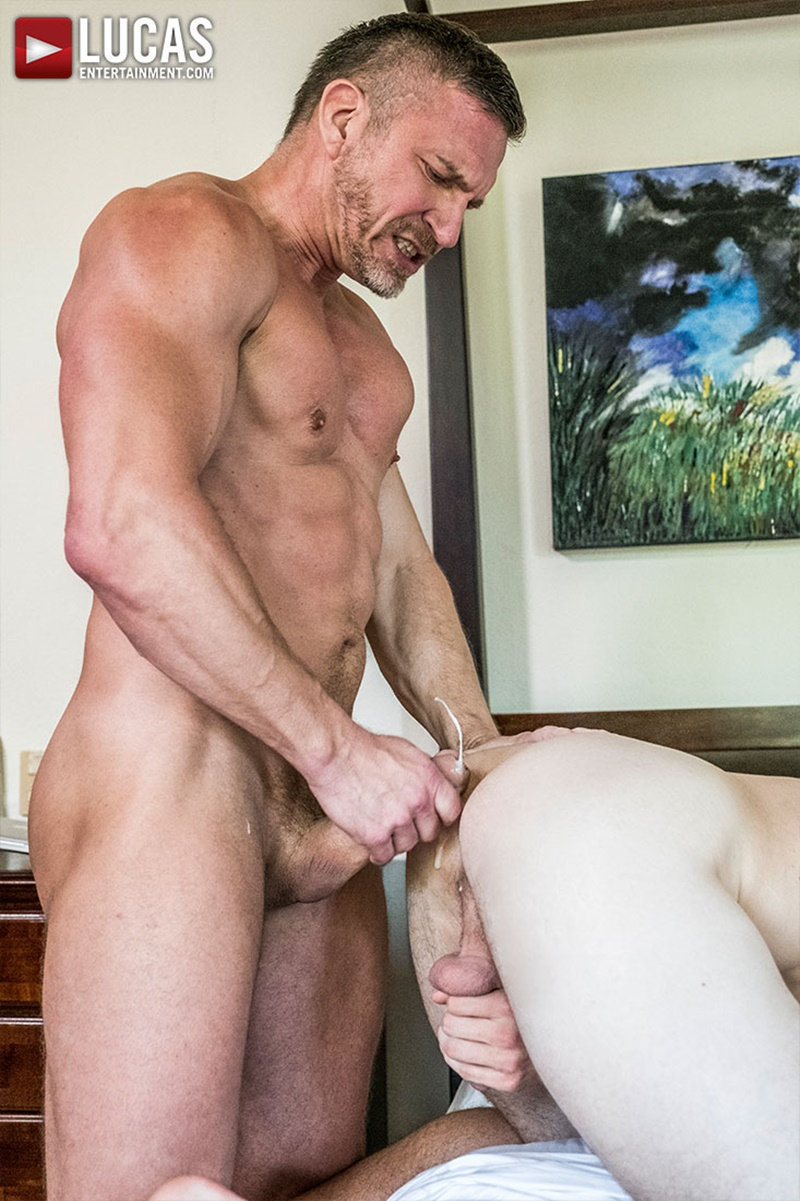 lucasentertainment-blond-tattoo-muscle-hunk-shawn-reeve-bareback-ass-fucking-top-daddy-tomas-brand-massive-raw-bare-cock-018-gay-porn-sex-gallery-pics-video-photo