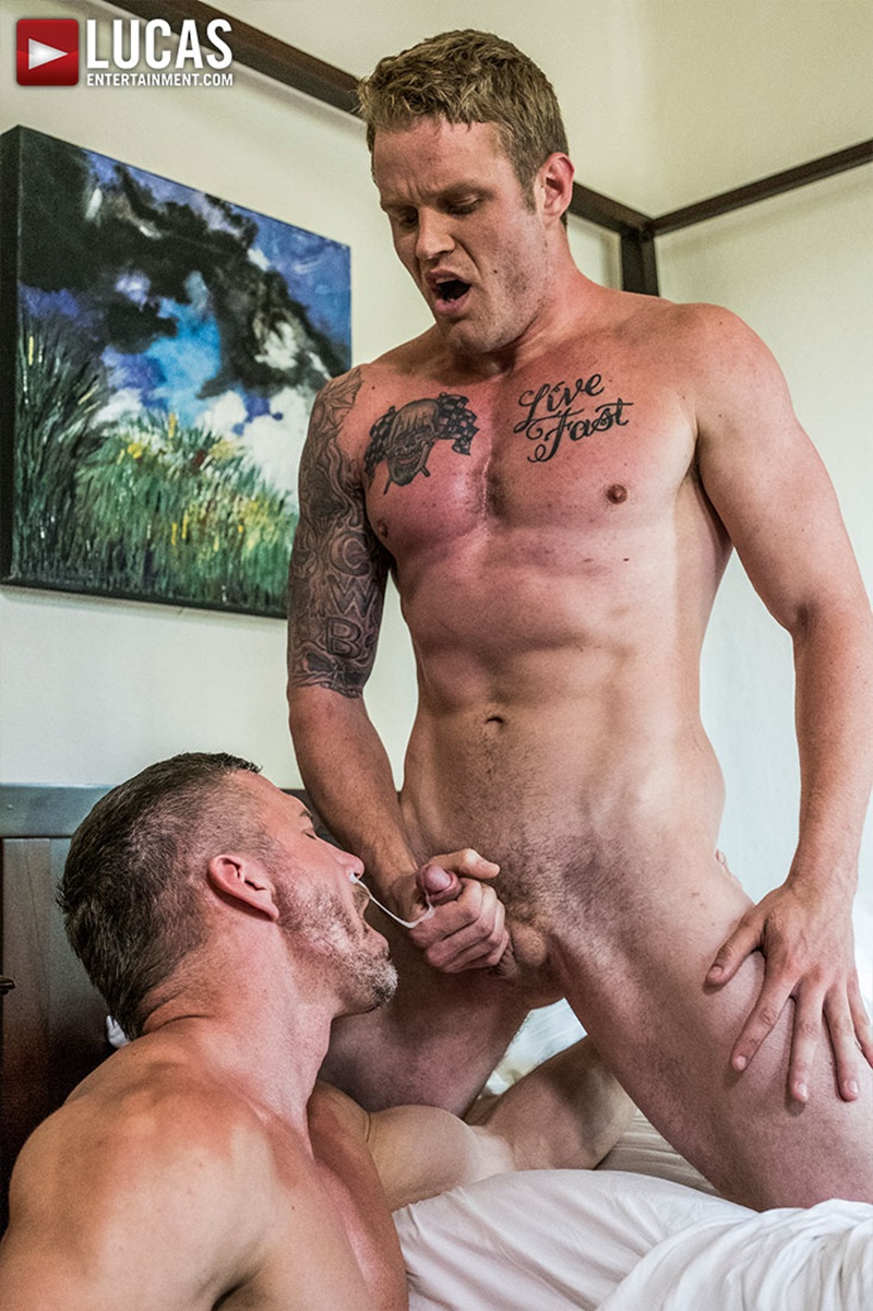 lucasentertainment-blond-tattoo-muscle-hunk-shawn-reeve-bareback-ass-fucking-top-daddy-tomas-brand-massive-raw-bare-cock-020-gay-porn-sex-gallery-pics-video-photo