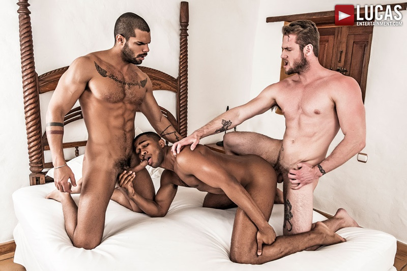lucasentertainment-fuck-me-tattoo-ass-ace-era-tops-sean-xavier-lucas-fox-threesome-gay-porn-stars-big-thick-muscle-cocks-sucking-014-gay-porn-sex-gallery-pics-video-photo