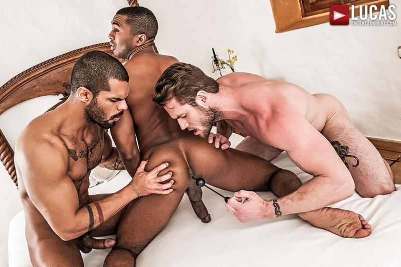 lucasentertainment-fuck-me-tattoo-ass-ace-era-tops-sean-xavier-lucas-fox-threesome-gay-porn-stars-big-thick-muscle-cocks-sucking-016-gay-porn-sex-gallery-pics-video-photo