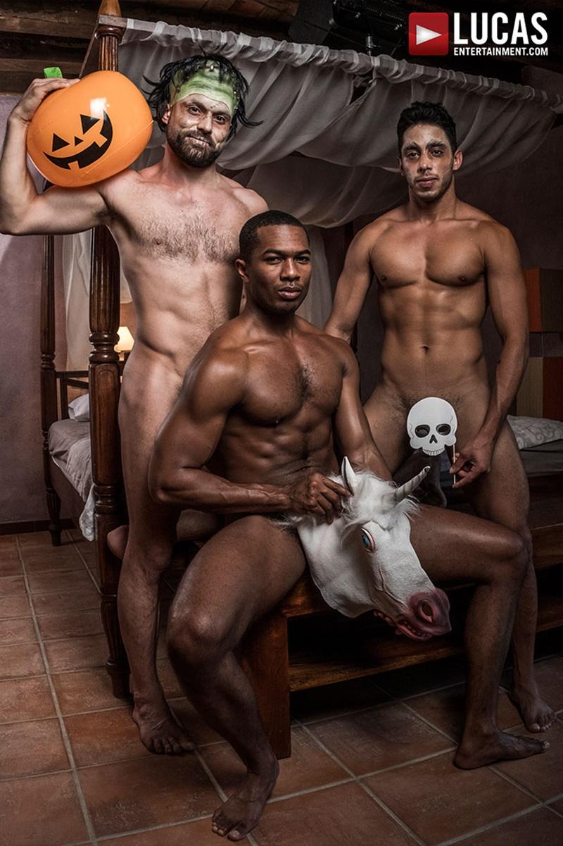 lucasentertainment-gay-porn-hot-bareback-ass-fucking-threesome-sex-pics-drae-axtell-james-castle-sean-xavier-fuck-raw-cock-003-gay-porn-sex-gallery-pics-video-photo
