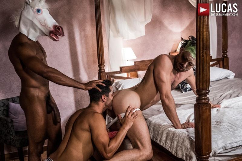lucasentertainment-gay-porn-hot-bareback-ass-fucking-threesome-sex-pics-drae-axtell-james-castle-sean-xavier-fuck-raw-cock-013-gay-porn-sex-gallery-pics-video-photo