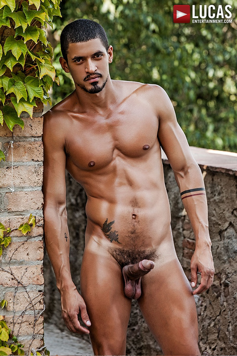 lucasentertainment hot naked big tattoo muscle men zander craze jacen