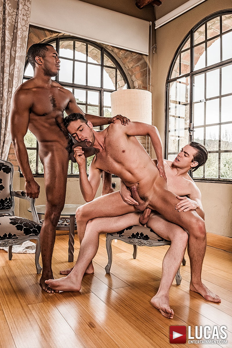 lucasentertainment-sexy-big-muscle-ripped-naked-dudes-damon-heart-double-fucked-sean-xavier-jon-bae-anal-bubble-butt-ass-012-gay-porn-sex-gallery-pics-video-photo