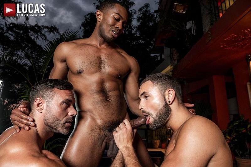 manuel-skye-jeffrey-lloyd-sean-xavier-sunset-sex-lucasentertainment-013-gay-porn-pictures-gallery
