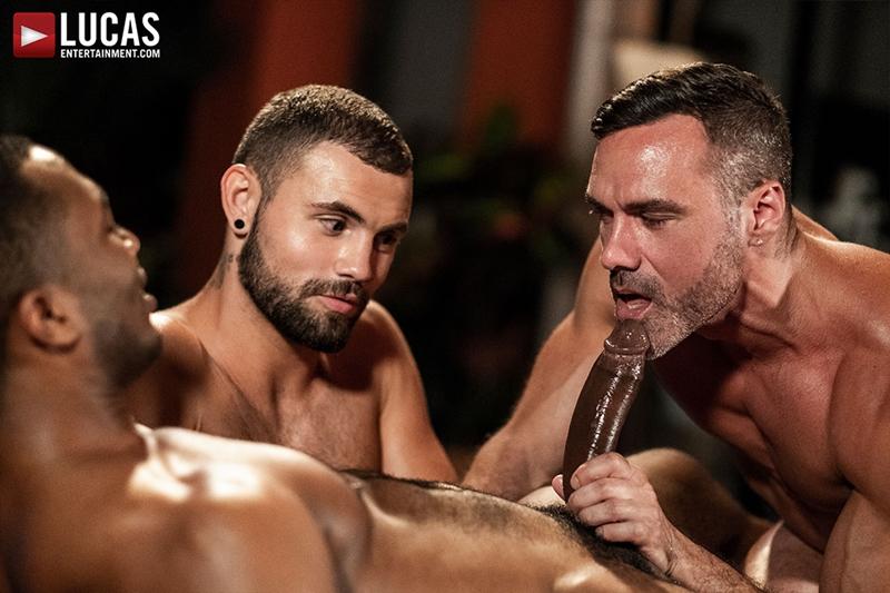 manuel-skye-jeffrey-lloyd-sean-xavier-sunset-sex-lucasentertainment-015-gay-porn-pictures-gallery