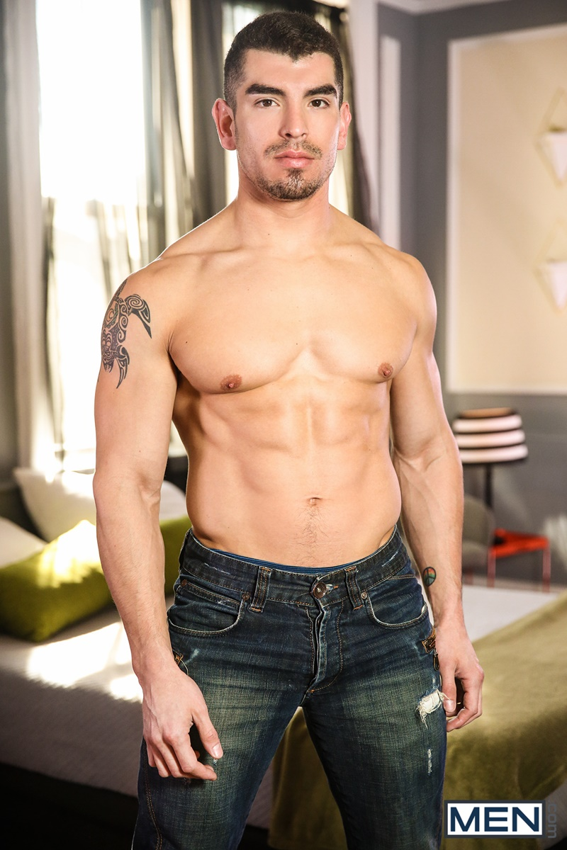 men-big-muscle-naked-dudes-diego-sans-huge-dick-jeremy-spreadums-tight-ass-cheeks-hardcore-anal-fucking-big-cocksucking-porn-002-gay-porn-sex-gallery-pics-video-photo