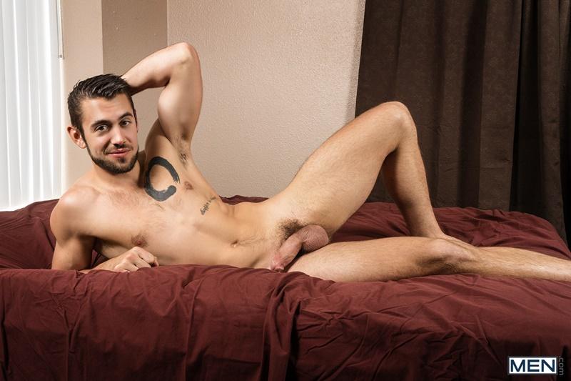 men-gay-porn-sexy-young-muscle-dude-sex-pics-brandon-cody-bareback-fucks-dante-colle-smooth-bubble-butt-007-gallery-video-photo