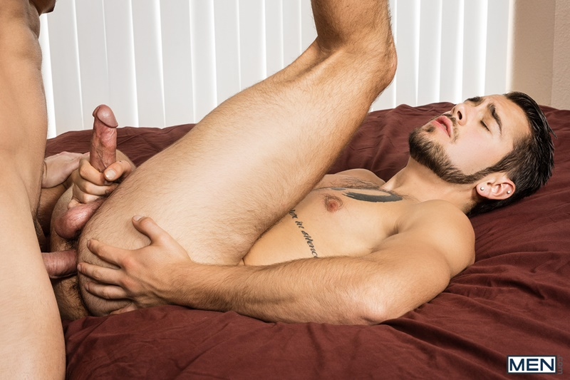 men-gay-porn-sexy-young-muscle-dude-sex-pics-brandon-cody-bareback-fucks-dante-colle-smooth-bubble-butt-019-gallery-video-photo