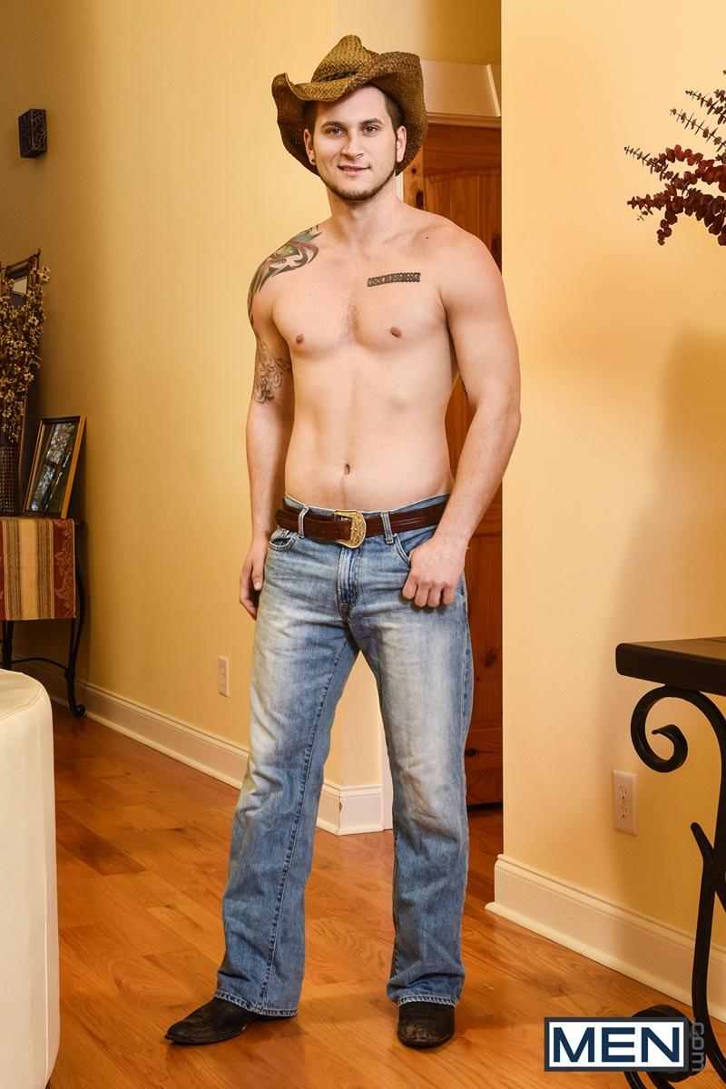 men-john-magnum-huge-dick-fucks-ranch-hand-allen-lucas-hot-bubble-butt-ass-006-gallery-video-photo