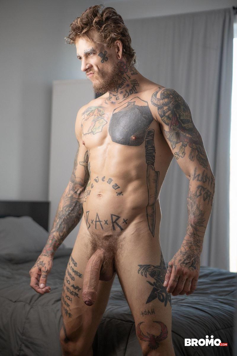 Sexy-tattooed-muscle-stud-Bo-Sinn-fists-hungry-bottom-boy-Drew-Dixon-hot-hole-006-gay-porn-pics