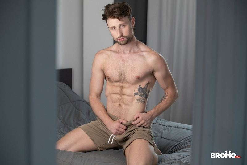 Sexy-tattooed-muscle-stud-Bo-Sinn-fists-hungry-bottom-boy-Drew-Dixon-hot-hole-007-gay-porn-pics