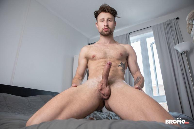 Sexy-tattooed-muscle-stud-Bo-Sinn-fists-hungry-bottom-boy-Drew-Dixon-hot-hole-009-gay-porn-pics