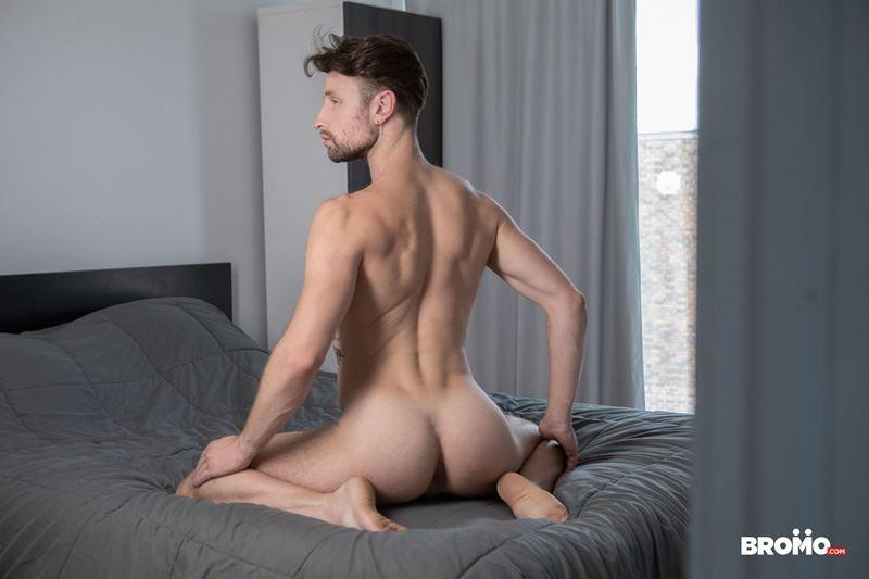 Sexy-tattooed-muscle-stud-Bo-Sinn-fists-hungry-bottom-boy-Drew-Dixon-hot-hole-010-gay-porn-pics