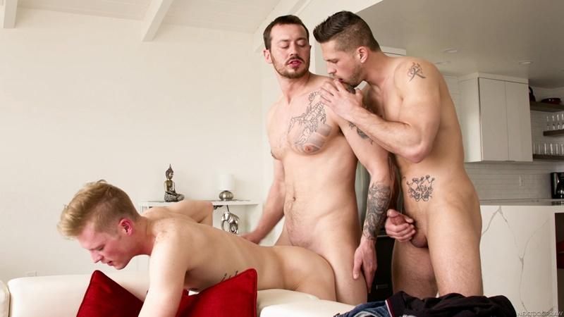 nextdoorstudios-gay-porn-mark-long-ty-thomas-roman-todd-sex-pics-bareback-threesome-008-gallery-video-photo