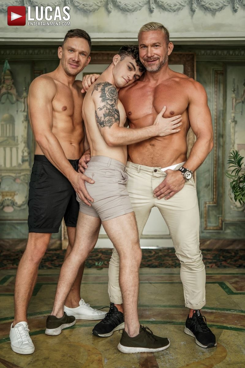 Older-muscle-dude-Tomas-Brand-smooth-hunk-Andrey-Vic-spit-roast-young-dude-Robert-Law-hot-holes-004-gay-porn-pics