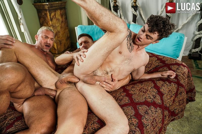 Older-muscle-dude-Tomas-Brand-smooth-hunk-Andrey-Vic-spit-roast-young-dude-Robert-Law-hot-holes-023-gay-porn-pics