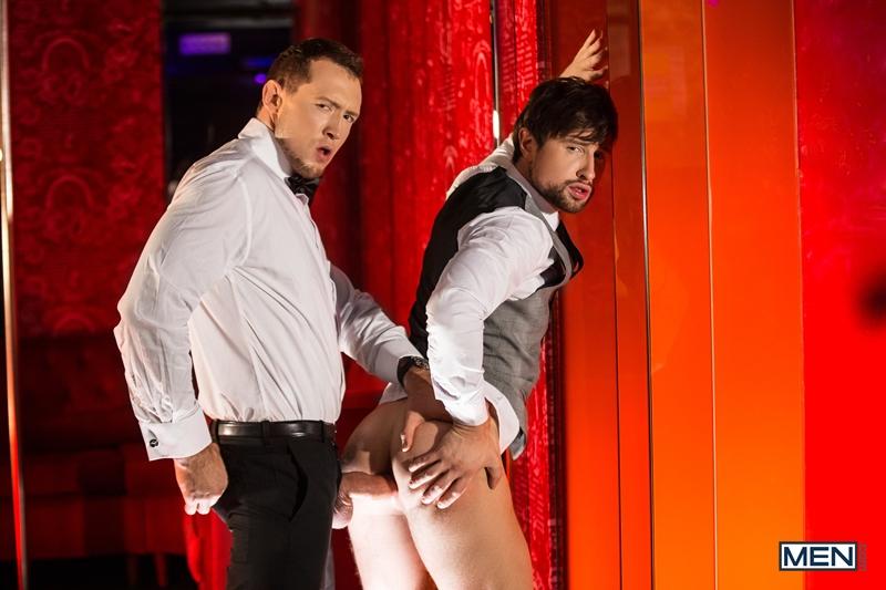 Pierce-Paris-fucks-Drew-Dixon-mouth-hot-waiter-rides-Tyler-Berg-big-dick-threesome-Men-012-porno-pics-gay