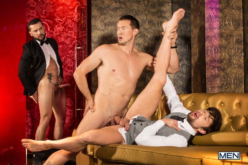 Pierce-Paris-fucks-Drew-Dixon-mouth-hot-waiter-rides-Tyler-Berg-big-dick-threesome-Men-013-porno-pics-gay